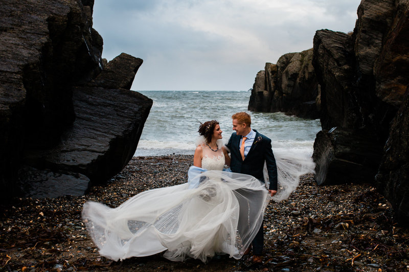 adventurous wedding couple at cliff hotel and spa