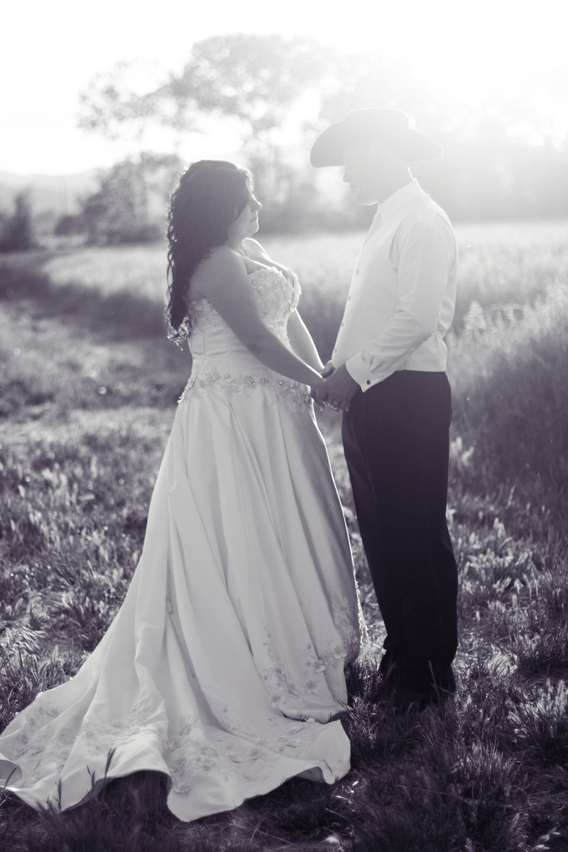 romantic wedding photography, bride and groom, country wedding