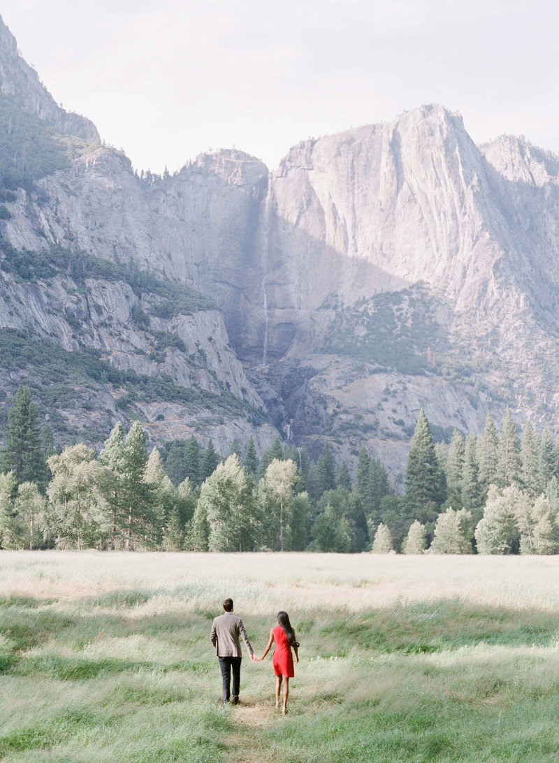 46-KTMerry-destination-engagement-photography-Yosemite-mountains