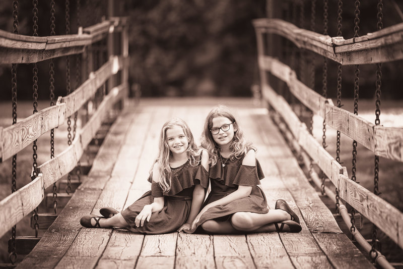 Virginia-Sisters-Family-Bridge-Beautiful