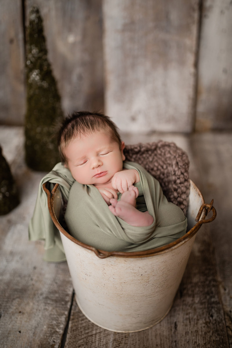 TannerNewbornPreview-3