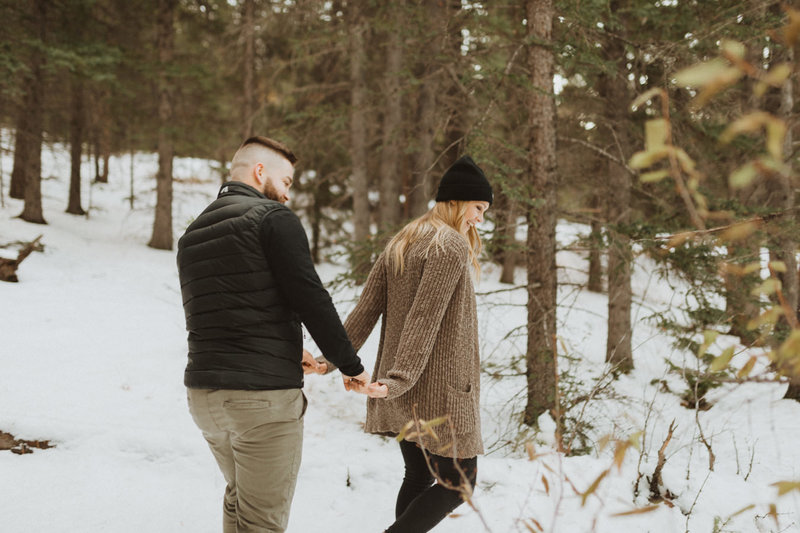 liv_hettinga_photography_snowy_mountain_engagement-7