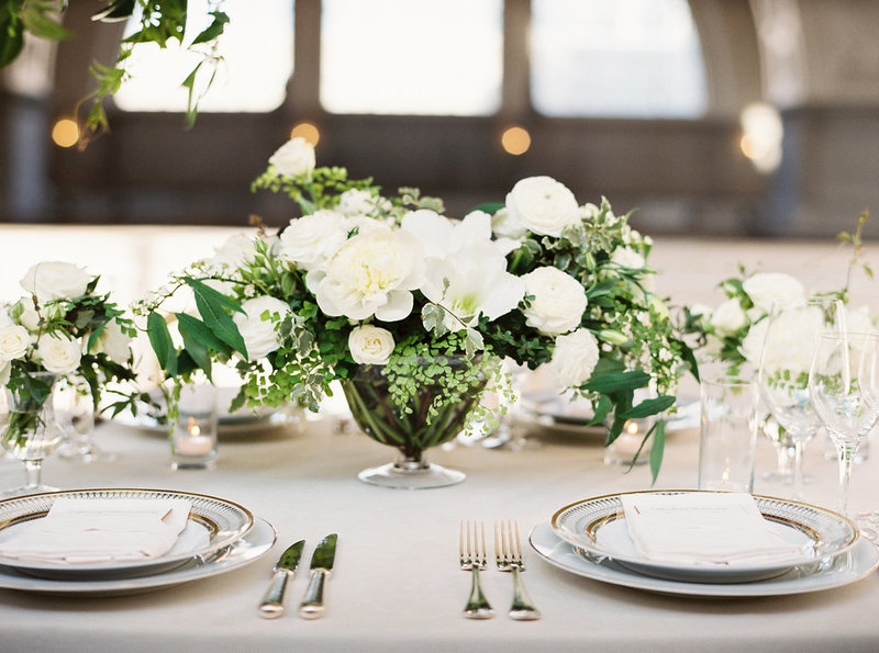 Flowers for wedding by Jenny Schneider Events at the San Francisco City Hall. Photo by Larissa Cleveland Photography.