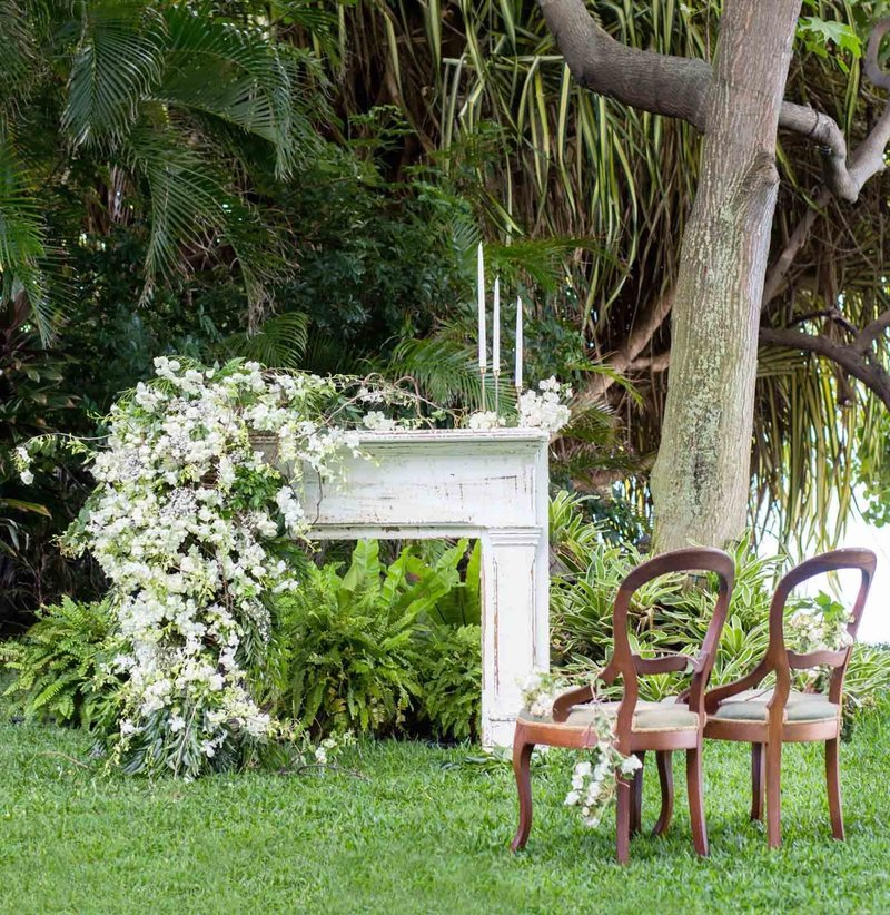 wedding-mantel-ceremony-backdrop-hawaii-wedding-florals