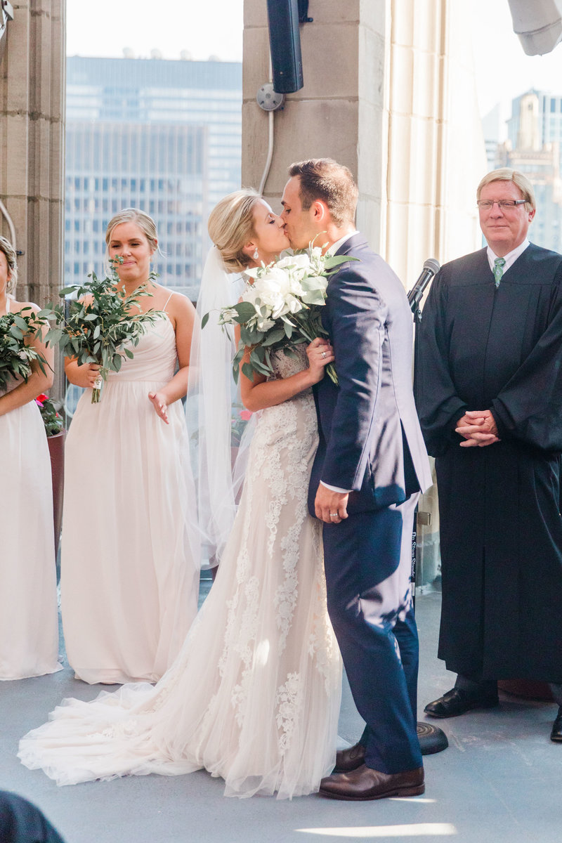 chicago-tribune-tower-wedding-nicole-jason-597