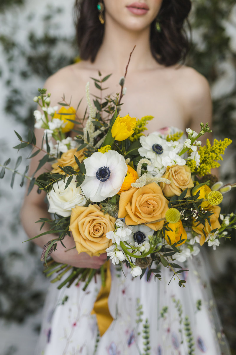 Bridal floral arrangement