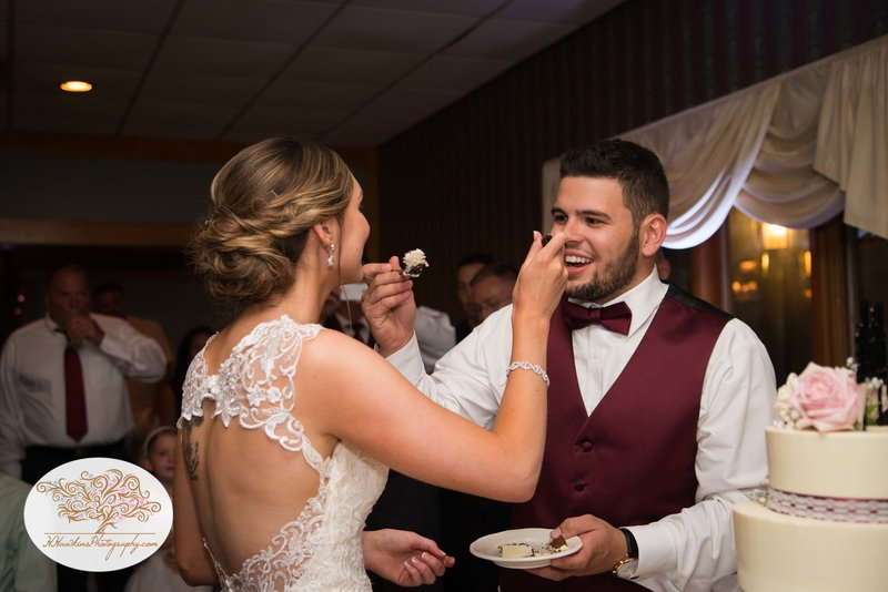 Belhurst Castle Pictures Geneva NY Syracuse Wedding Photographer-59