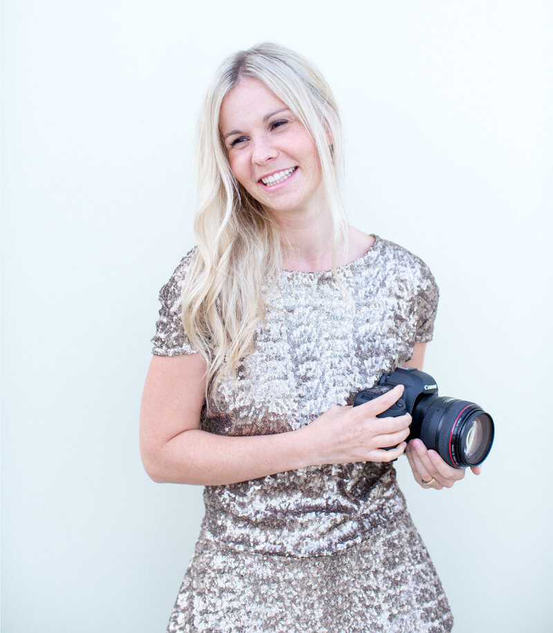 Anna Selent is a couple and wedding photographer working with couples in Melbourne, Mornington and Gippsland.
