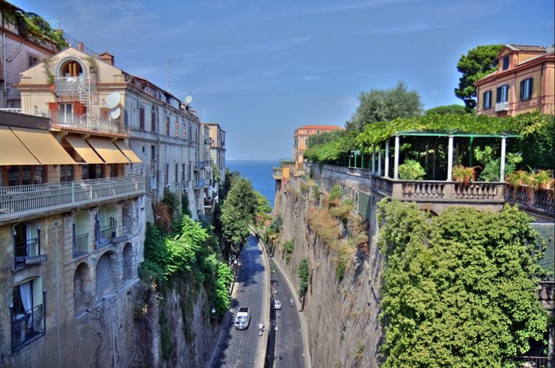 Sorrento Split Road