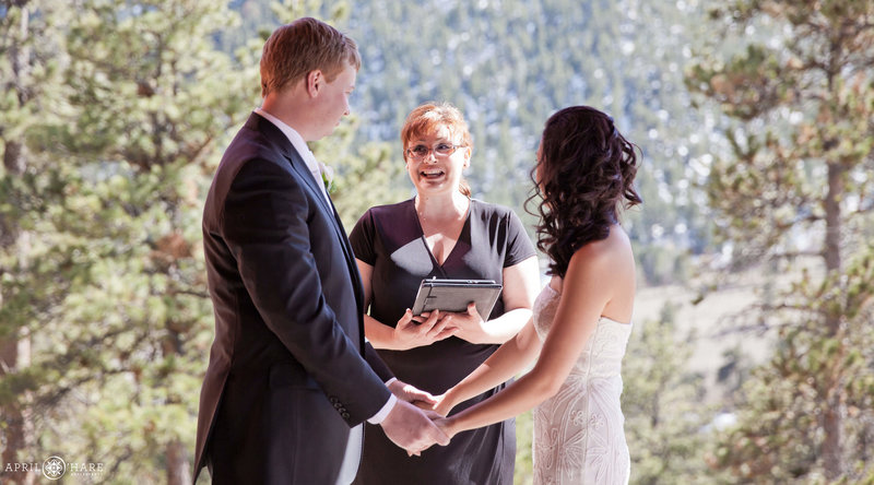 Colorado-Wedding-Officiant-Reverend-Kim-Tavendale-14