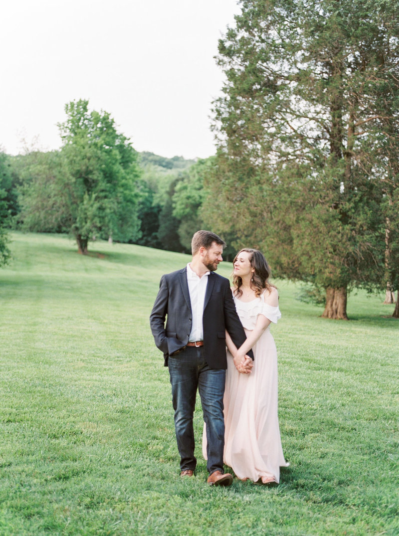 Jordan-and-Alaina-Photography-Nashville-Wedding-Photographer-Cedarwood-Engagement-1