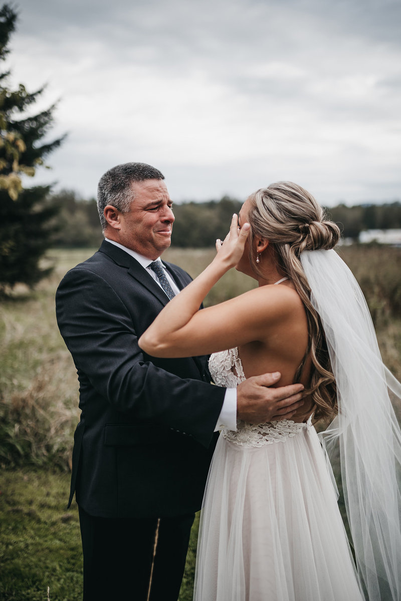 athena-and-camron-seattle-wedding-photographer-emotional-father-bride-first-look
