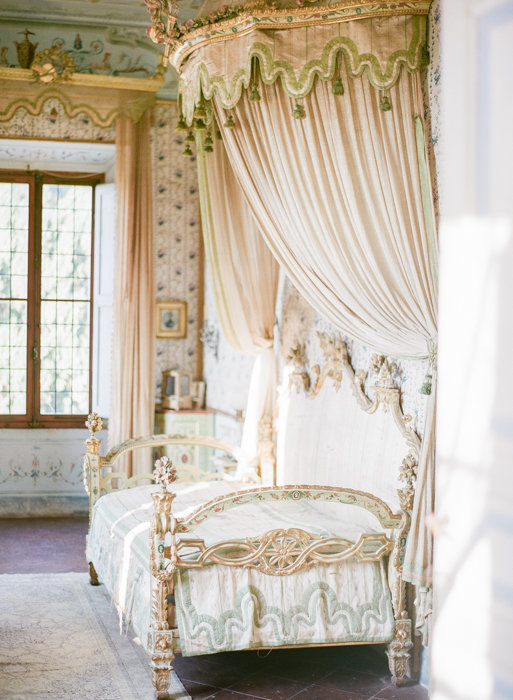 Molly-Carr-Photography-Paris-Film-Photographer-France-Wedding-Photographer-Europe-Destination-Wedding-Villa-Di-Geggiano-Siena-Tuscany-Italy-27