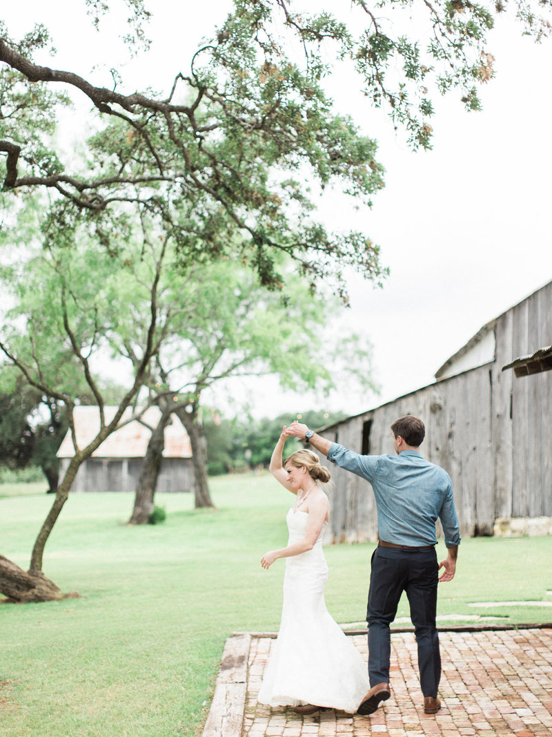 Jordan-and-Alaina-Photography-Nashville-Wedding-Photographer-Comfort-Texas-Hill-Country-Cherokee-Rose-2