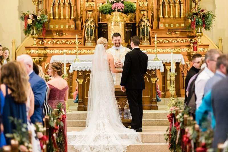 28-Wisconsin-Classic-Country-Club-Catholic-Wedding-James-Stokes-Photography