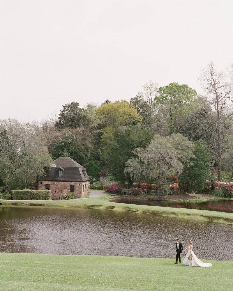 Wedding services in Charleston background image