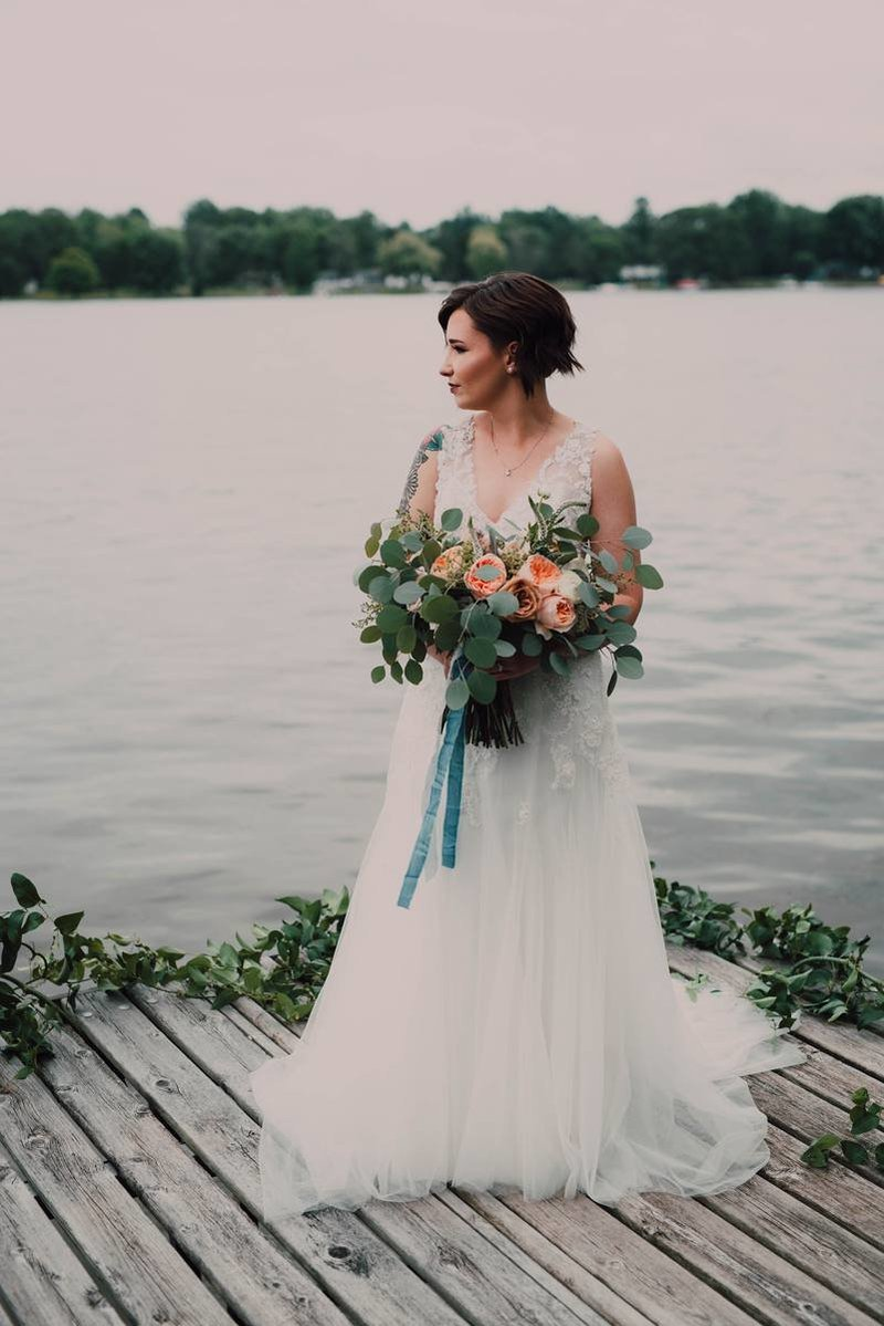 fleurolgoy-designs-blue-lakeside-wedding-michigan-florist-bride_0227