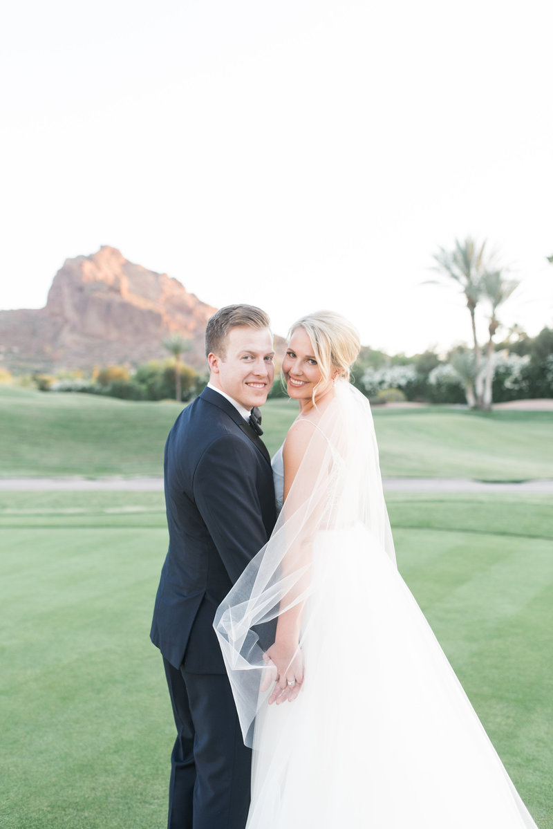 mountain-shadows-resort-wedding-phoeinx-wedding-photographer-romantic-desert-wedding-89