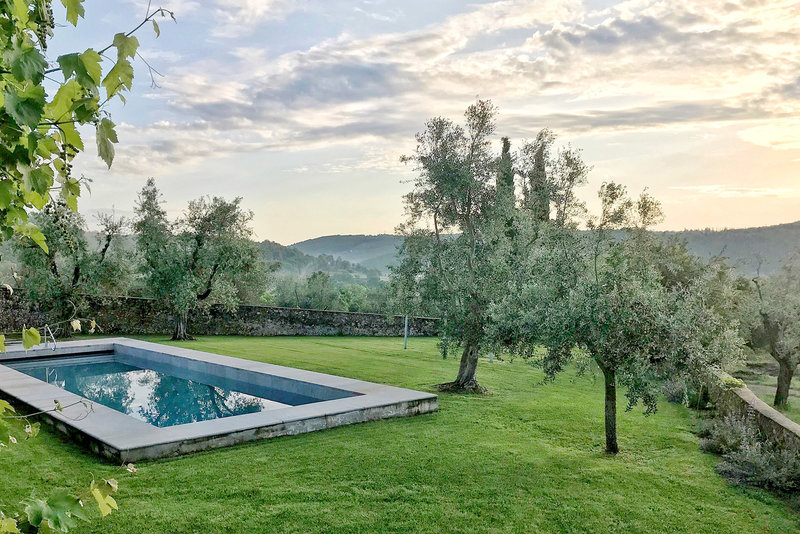 La Dolce Vita Retreat Tuscany villa pool