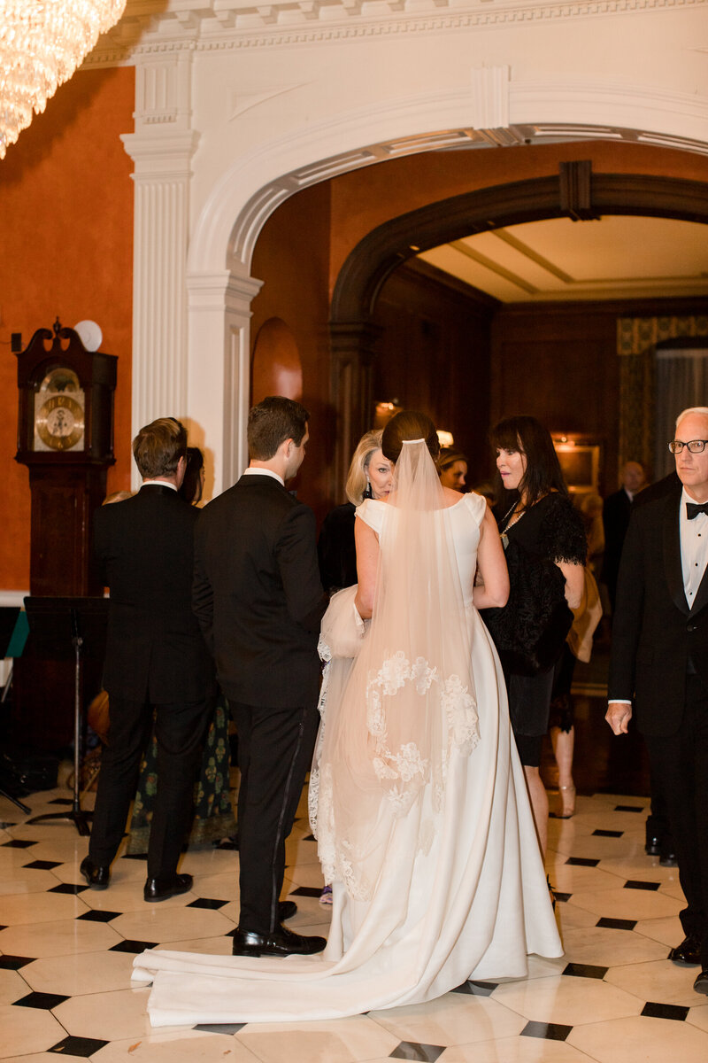 katie-gallagher-photography-louisville-wedding-downtown-pendennis-club-39