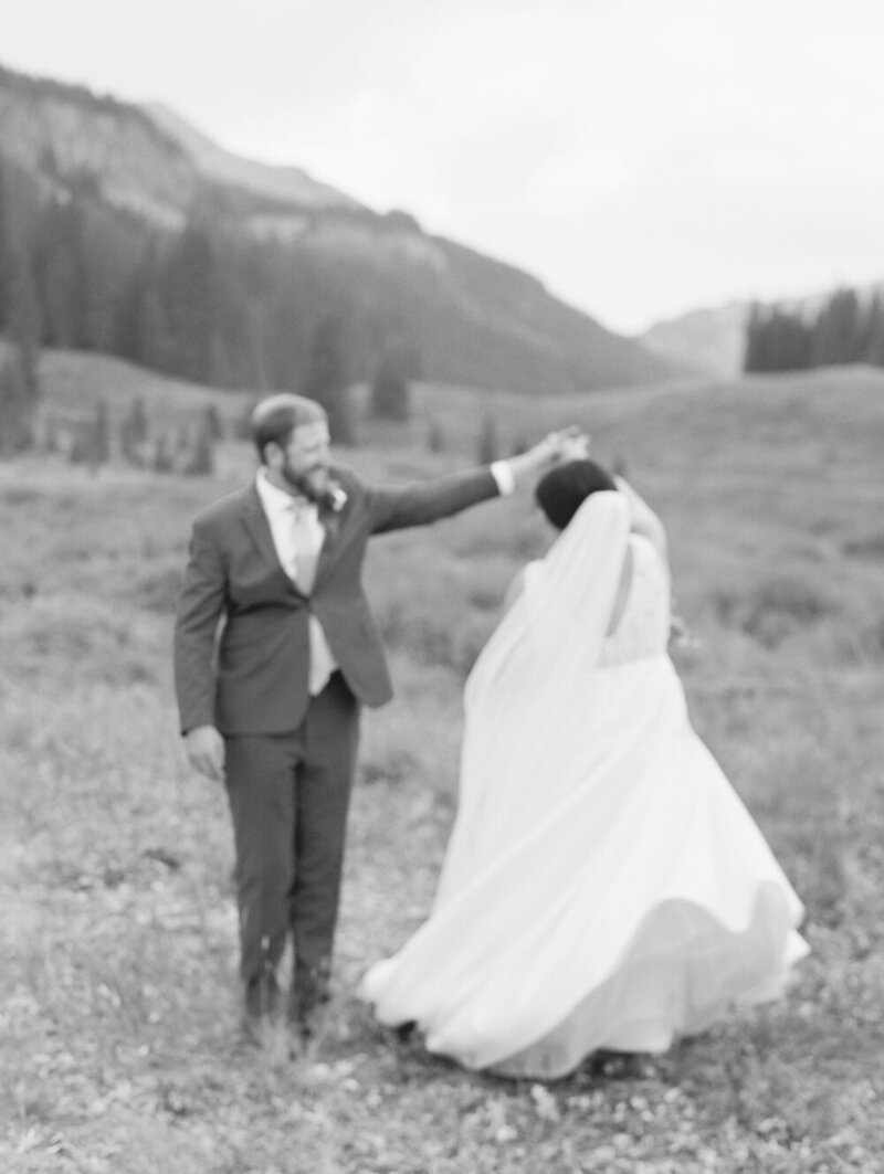 Joyful and Playful Wedding in Crested Butte_0028