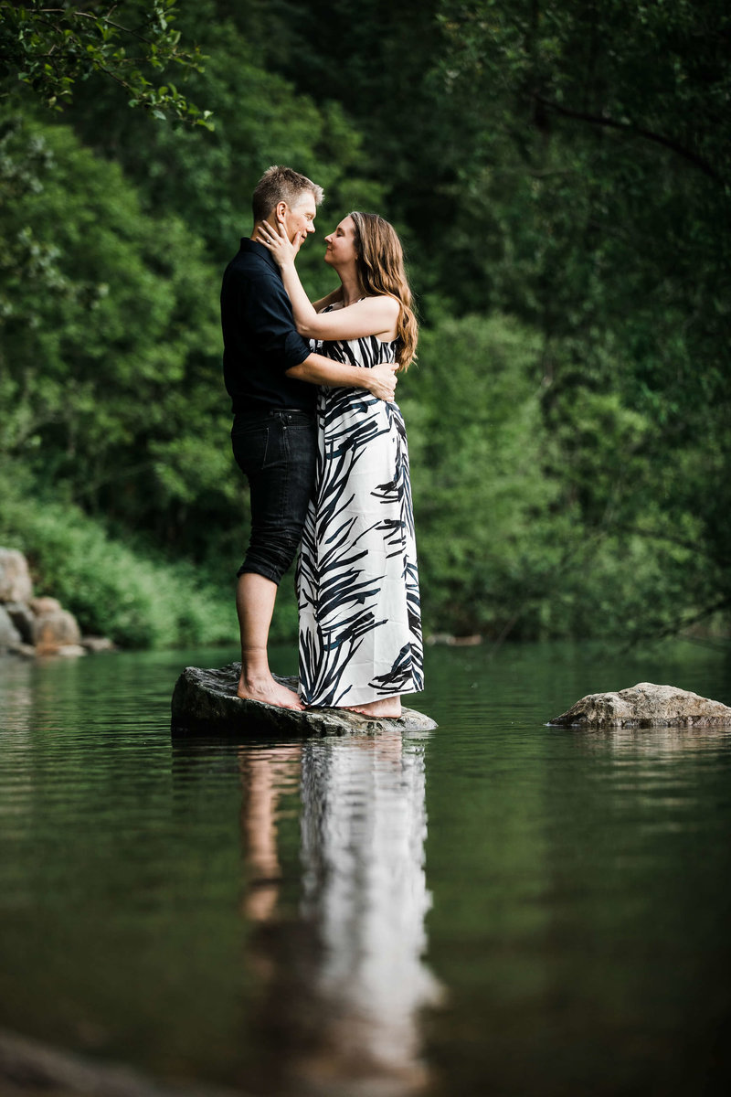 Eivind+Elyse_Engagement_Rattlesnake_lake_ridge_Seattle_Photographer_Adina_Preston_Weddings_84