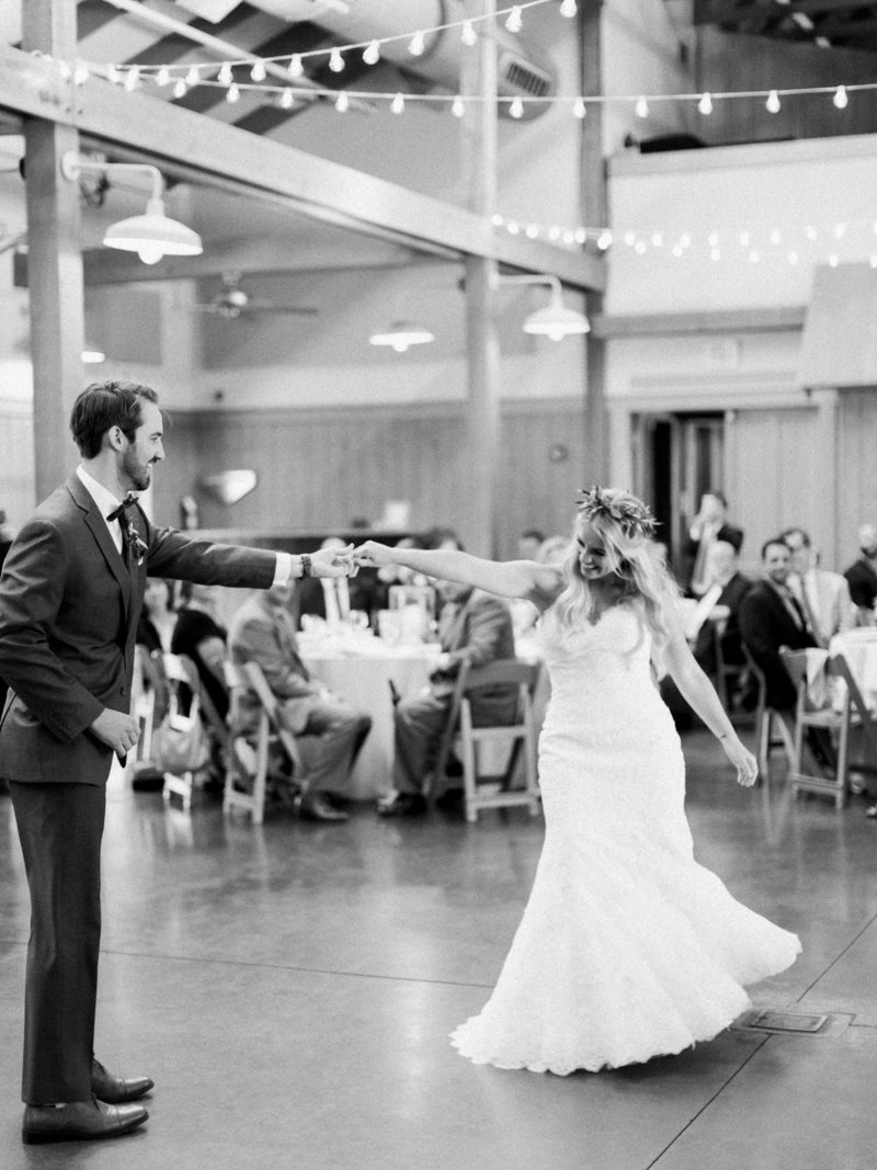 Jordan-and-Alaina-Photography-Nashville-Wedding-photographer-st-henry-loveless-barn-percy-warner-allee-first-dance