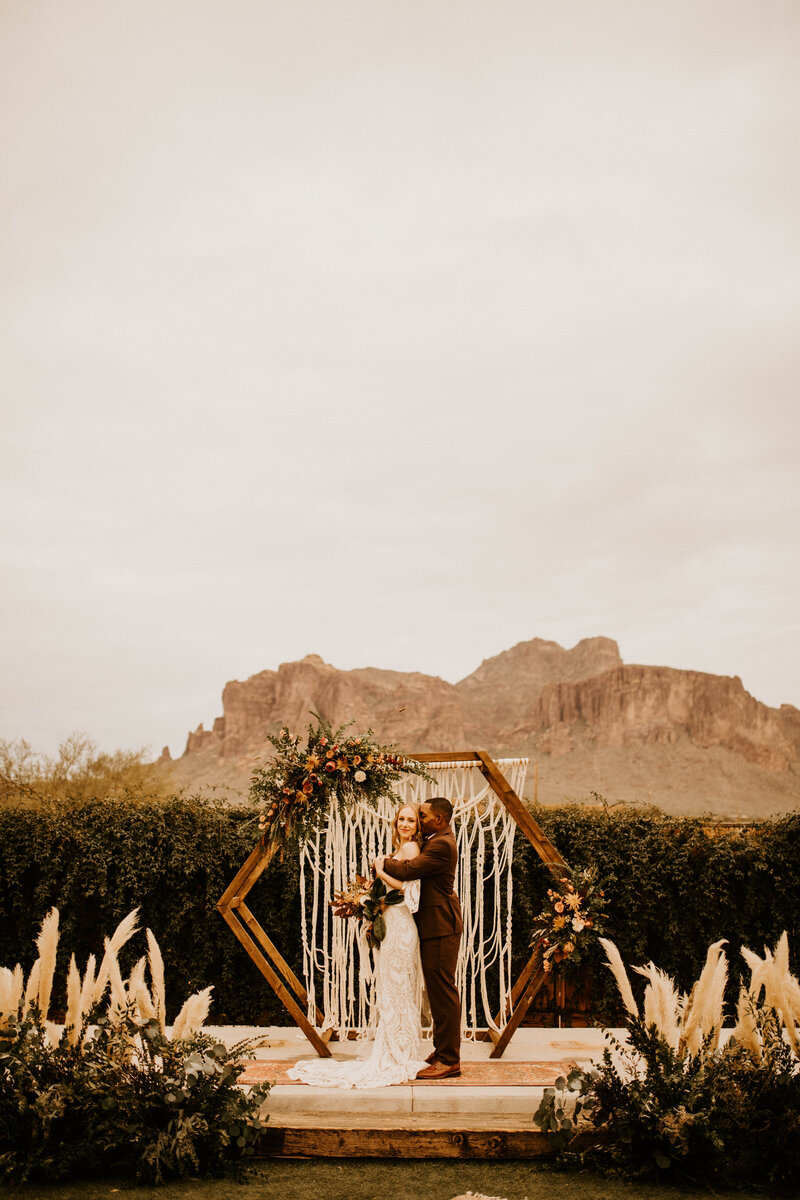 Earthen Real, Raw and Authentic Styled Wedding  Allison Slater Photography245