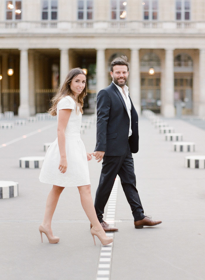 palais-royal-paris-engagement-photographer-jeanni-dunagan-4