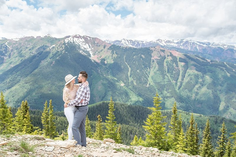 Engagement photographer in the mountains of Colorado