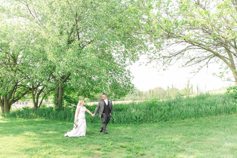 Classic-spring-St- Francis-church-tornto-ohio-wedding-12