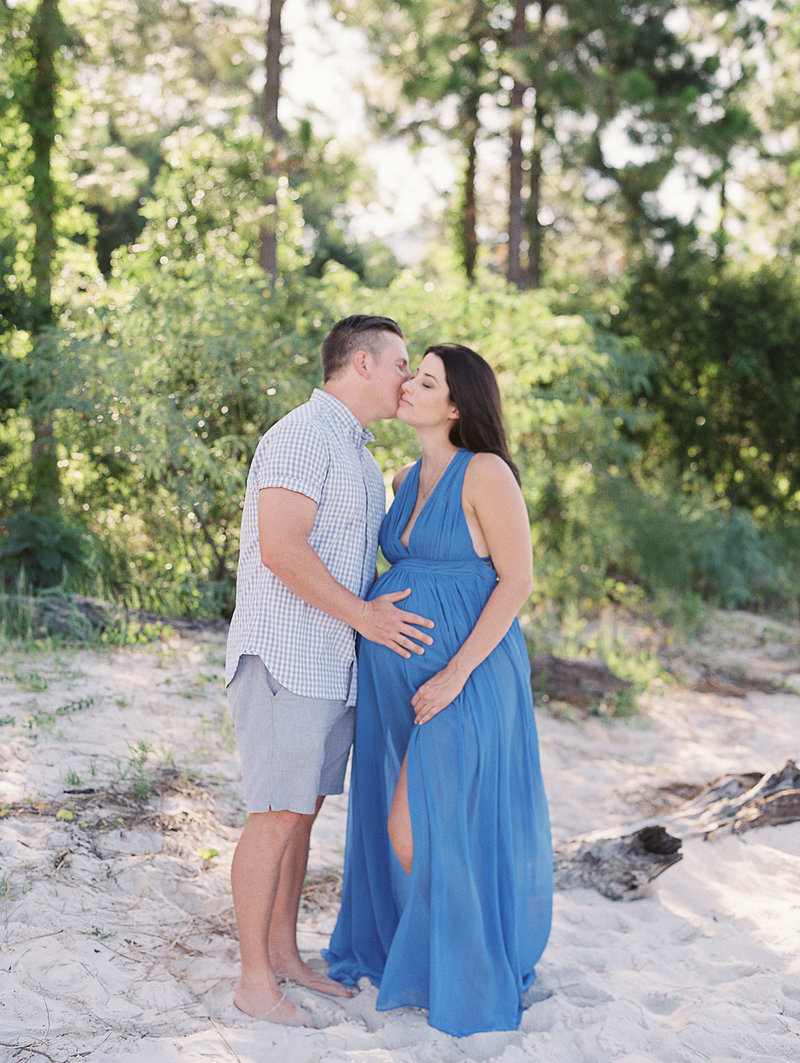 BeachMaternitySession-Paige-0006-42196JBbis726004-R1-012