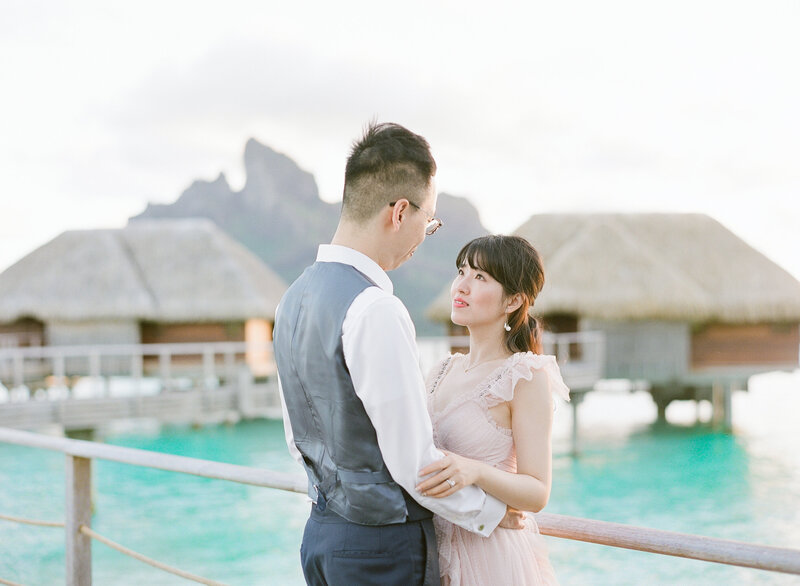 Portrait Bride and groom in front of Mount Otemanu in Bora Bora