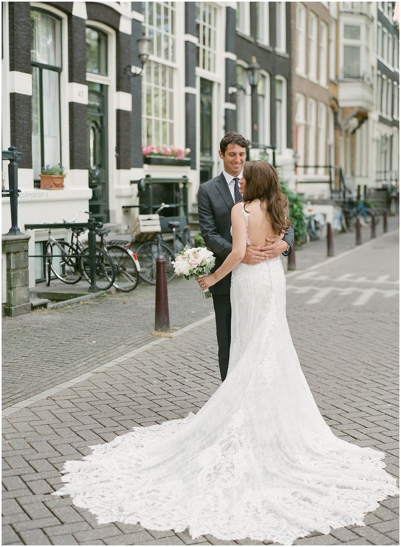 american-city-wedding-in-amsterdam_018
