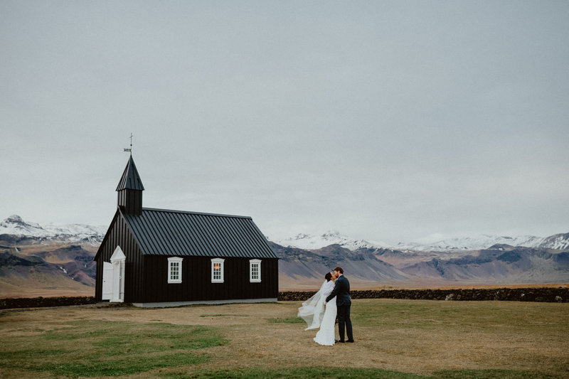 tiffani-grant-iceland-budir-black-church-elopement-7717