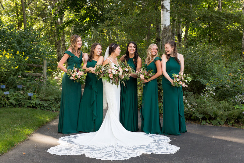 bridesmaids at green bay botanical garden