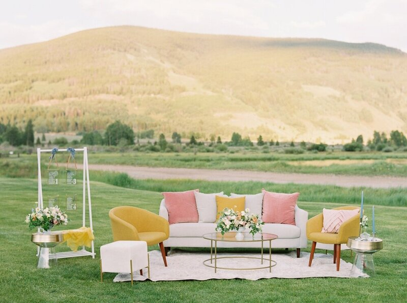Refined and Organic Wedding in the Heart of Colorado_0001