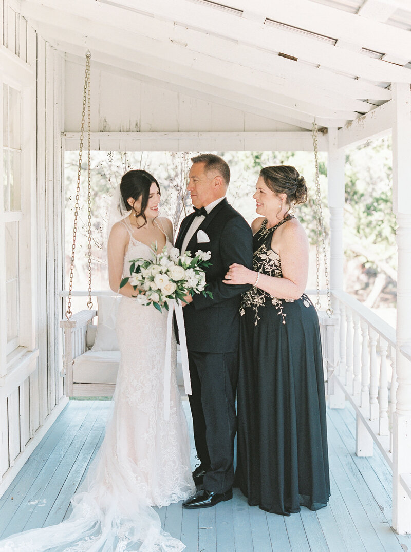 Brianna Chacon + Michael Small Wedding_The Ivory Oak_Madeline Trent Photography_0027