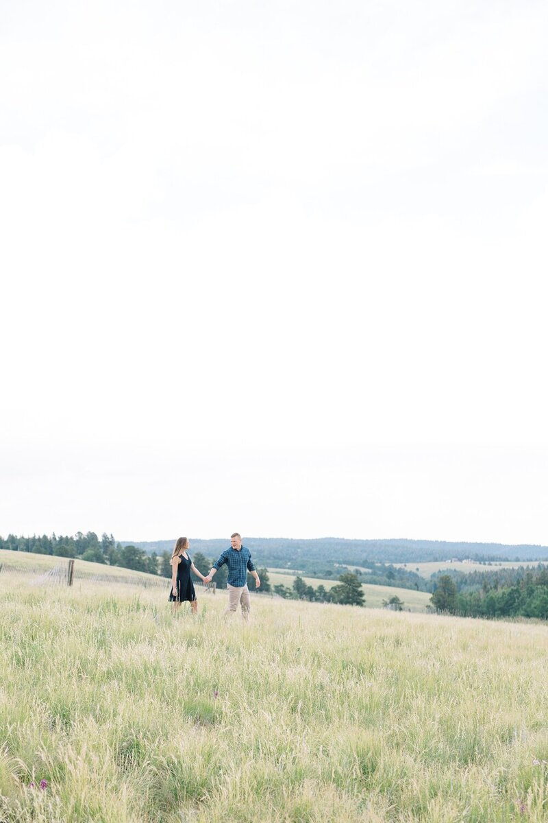 Playful Engagement with a Mountain View_0017