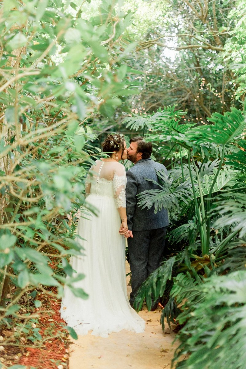 waldos secret garden - garden wedding - vero beach wedding - tiffany danielle photography (3)