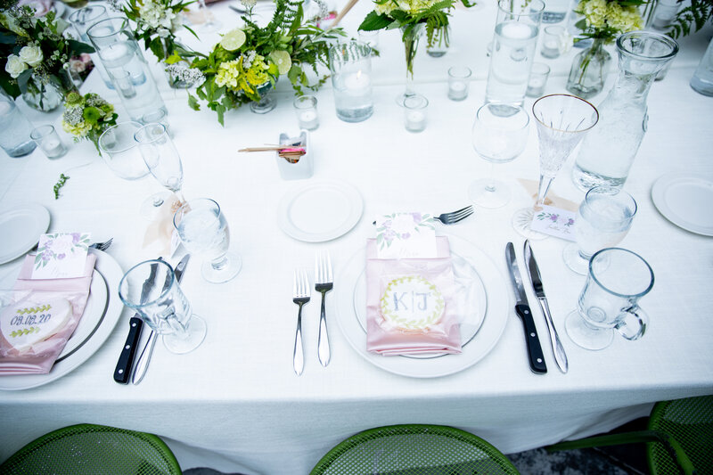 Grand-Rapids-Rooftop-Wedding-place-setting