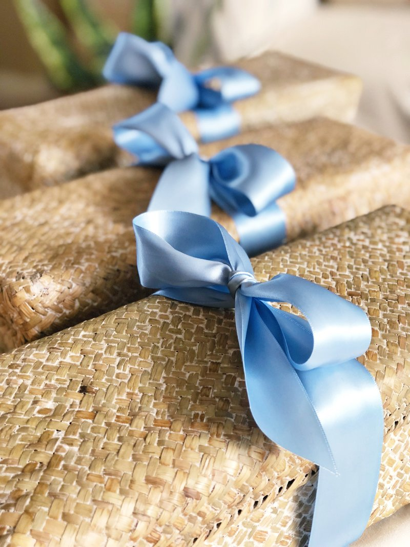 blue-welcome-gifts