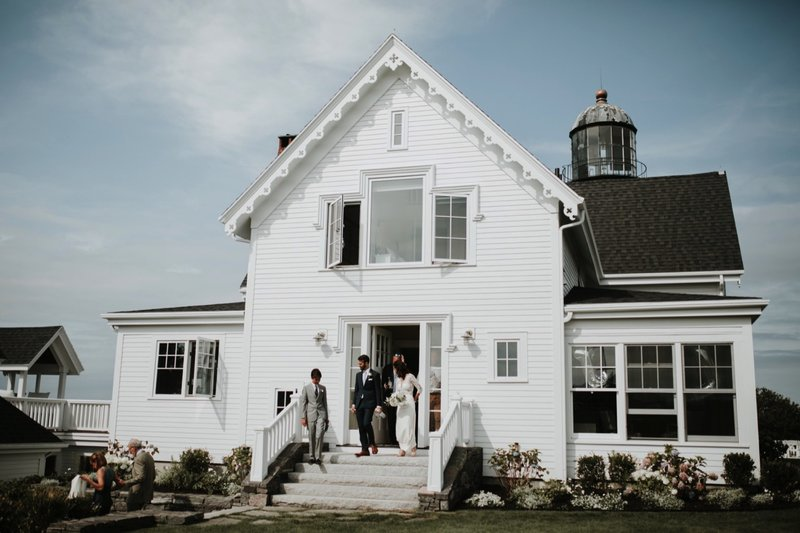 cape-elizabeth-portland-maine-backyard-lighthouse-wedding-51