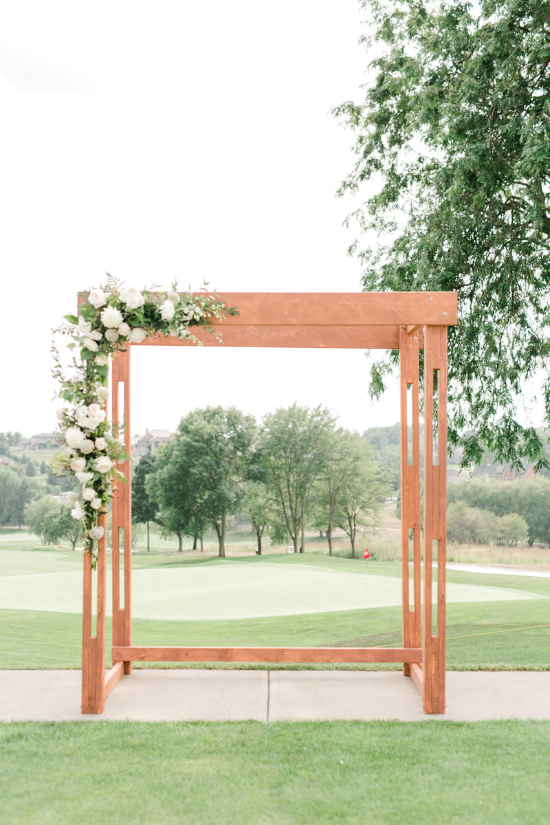 Glen-Oaks-Country-Club-West-Des-Moines-IA-Wedding-J+A-9411