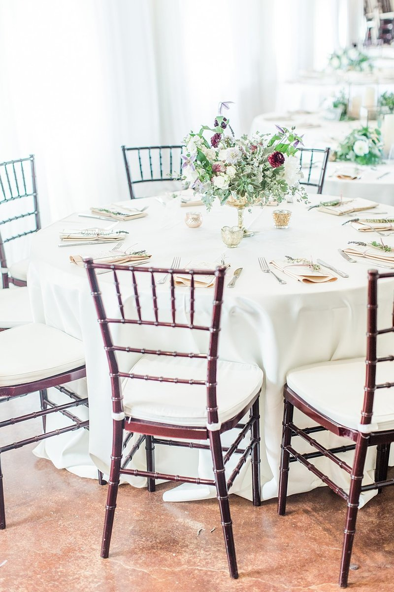 The Lodge at Country Inn and Cottages in Fredericksburg Texas Wedding Venue photos by Allison Jeffers Photography_0050