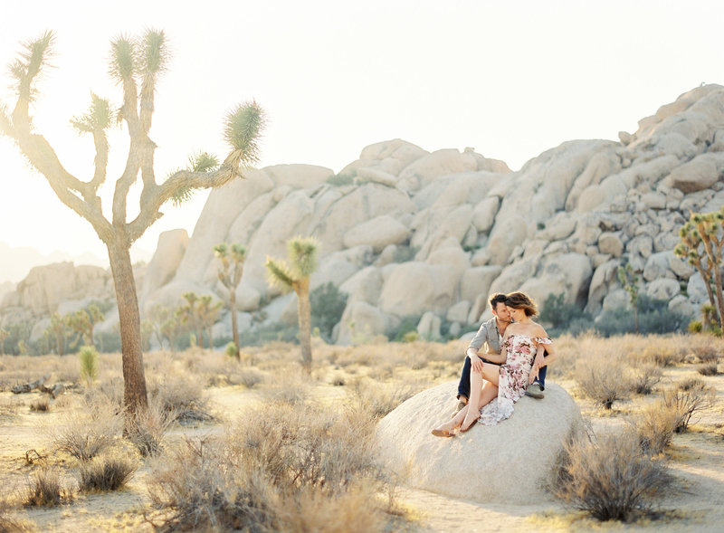 04-Joshua-Tree-Engagement-Session