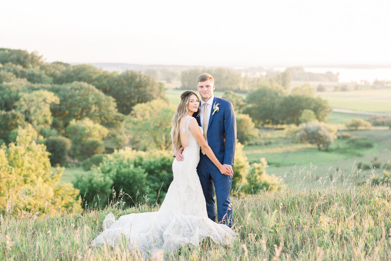 Minnesota Bride, Minnesota wedding photographer, Minneapolis wedding photographer, Wedding Dress, trish Allison photography, trish allison photography weddings, Light and airy photographer, Minnesota photogrpaher light and airy, MN wedding photographe