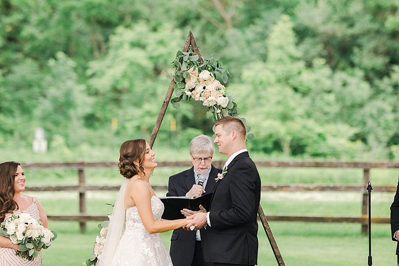 Laura-Dustin-Wedding-Mayowood-Stone-Barn-515