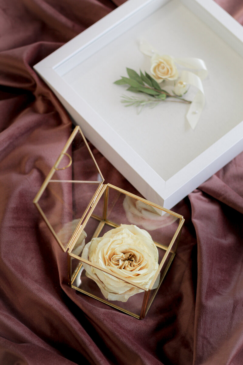 greenwich-new-york-preservation-floral-wedding-westchester-bouquet-rose-preserved-56