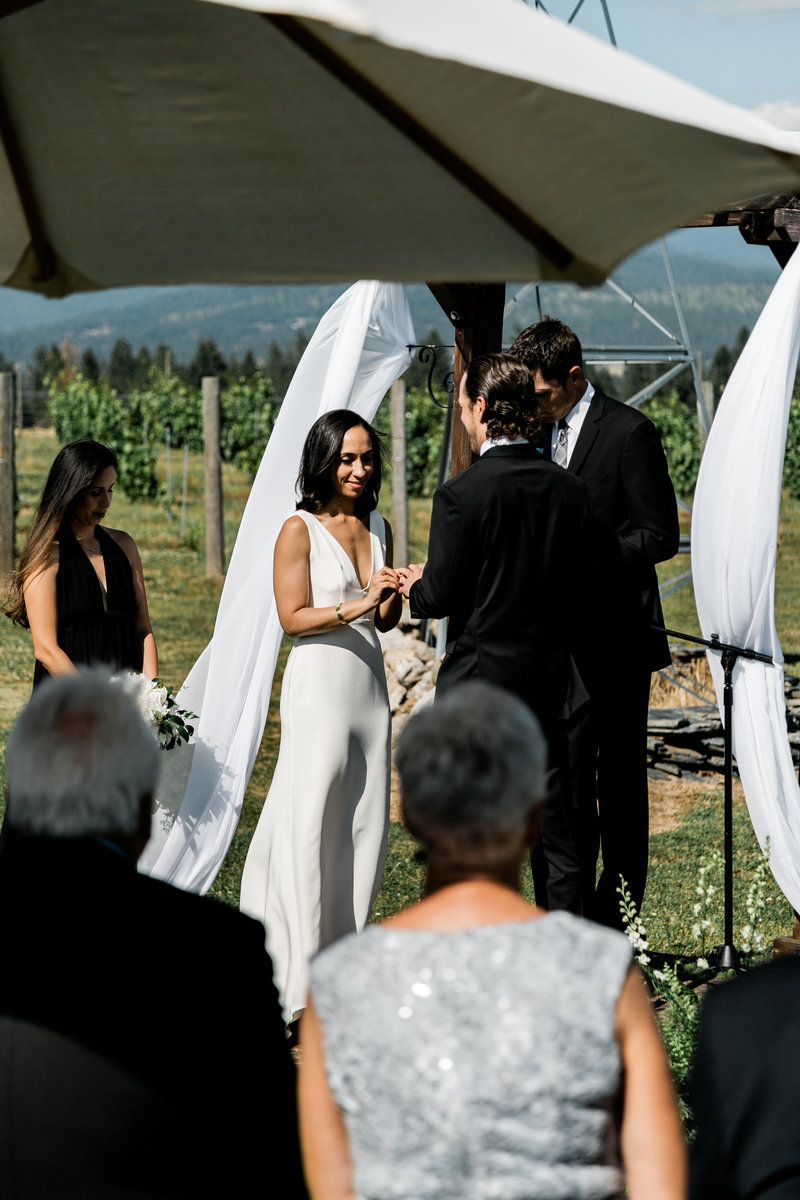 alycia-lovell-photography-alix-rick-trezzi-farm-winery-wedding-39